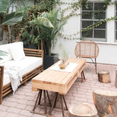 10 Tips for Choosing Outdoor Furniture | La-Z-Boy