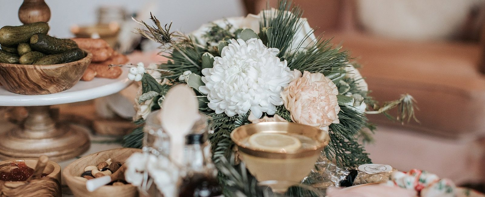 Holiday Hosting Table Setting   DIY'S, Ideas and More…