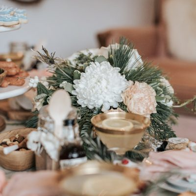 Holiday Hosting Table Setting | DIY'S, Ideas and More…